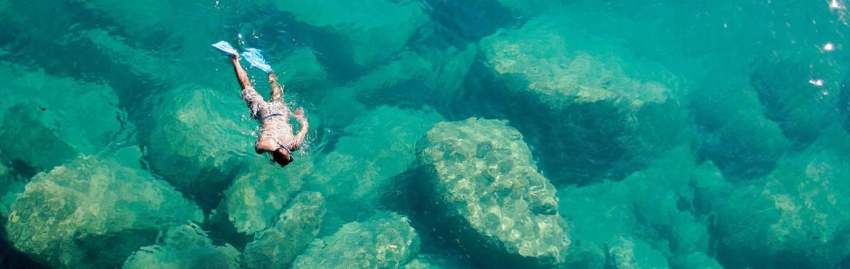 Africa-Malawi-Lake-Malawi-Snorkeler